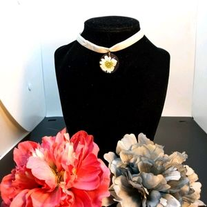 Beautiful handcrafted choker necklace